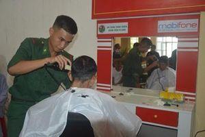 Điểm cắt tóc miễn phí giúp bệnh nhân