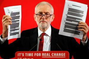 Thủ tướng Anh bị cáo buộc âm mưu 'bán' NHS cho Mỹ