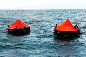 Tàu Toàn Phát 68 chìm trên biển: 'Thuyền trưởng đã quên thân mình để cứu chúng tôi!'