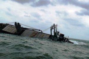 Sự cố tràn dầu ra biển của tàu Thái Lan tại Vũng Áng: Vẫn chờ phương án xử lý