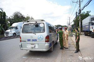 Đồng Nai: Tài xế phân trần lý do xe làm văng 2 em học sinh xuống đường