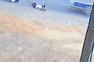 Thêm hai học sinh bị rơi từ xe đưa rước xuống QL1A