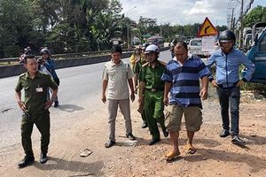 2 học sinh rơi khỏi xe đưa đón ở Đồng Nai: Tài xế nói gì?