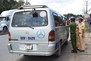 Vụ 2 học sinh rơi khỏi ôtô đưa đón ở Đồng Nai: Tài xế nói gì?