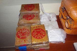 Thu giữ 25 bánh heroin trôi dạt vào bờ biển Quảng Nam