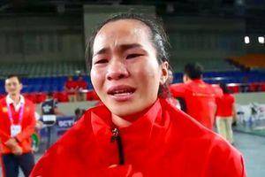 Giọt nước mắt Vương Thị Huyền và tấm HCV tặng người cha quá cố