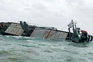 Tập trung khắc phục sự cố tràn dầu trên biển Kỳ Anh