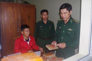 Biên phòng Quảng Nam thu giữ 25 bánh heroin trôi dạt vào bãi biển Tam Thanh