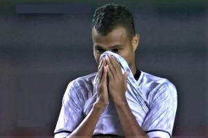 Cầu thủ Timor-Leste đá phản lưới, mở tỷ số sớm cho U22 Malaysia