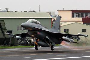 Lo ngại TQ, Đài Loan mời chuyên gia Mỹ giúp củng cố quốc phòng