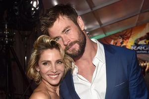 Chris Hemsworth bị vợ mắng vì đặt búa của Thor ở giữa nhà