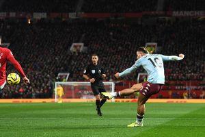 Man United hòa Aston Villa 2-2