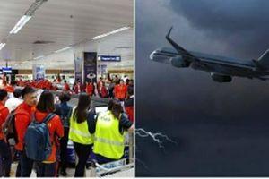 Máy bay chở Đoàn TTVN gặp sự cố 'thót tim' tại Philippines