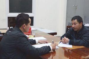 Quảng Bình: Bị phát hiện buôn pháo, giám đốc doanh nghiệp tông thẳng xe vào công an để bỏ trốn