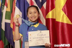 Nữ sinh giành huy chương Vàng Olympic Khoa học quốc tế biết đọc từ năm 3 tuổi