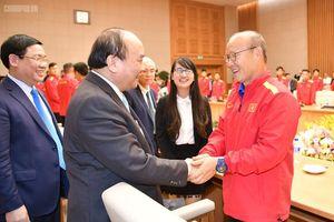 Thủ tướng: Lãnh đạo cao cấp Hàn Quốc trân trọng, tự hào nhắc tên ông Park Hang Seo