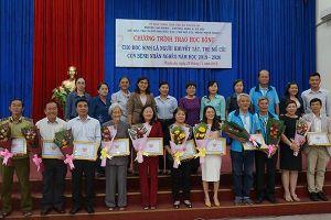 Tân Hiệp Phát trao tặng học bổng cho học sinh khuyết tật, trẻ mồ côi, con bệnh nhân nghèo tại Bình Dương