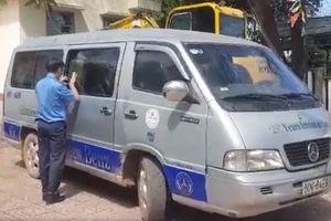 Vụ học sinh văng xuống đường: Tài xế dùng bằng lái giả