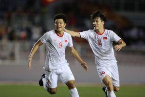 Pha ghi bàn của Đức Chinh giúp Việt Nam thắng Singapore