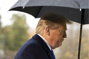Bóng đen luận tội bủa vây Tổng thống Trump tại hội nghị NATO