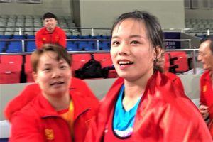 Khoảnh khắc Hồng Thanh nâng tạ khó tin, đánh bại VĐV Philippines