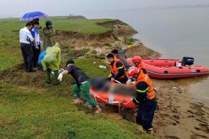Tìm thấy thi thể nữ sinh để lại thư tuyệt mệnh rồi gieo mình xuống sông tự vẫn