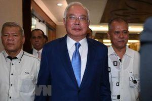 Cựu Thủ tướng đầu tiên của Malaysia Najib Razak phải hầu tòa