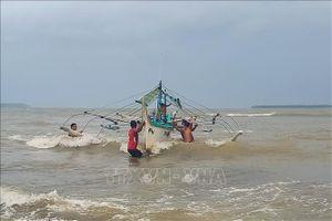 Bão Kammuri đổ bộ Philippines, ít nhất 2 người thiệt mạng