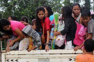 Siêu bão đổ bộ đất liền, Philippines sơ tán 70.000 người và thay đổi lịch thi đấu SEA Games