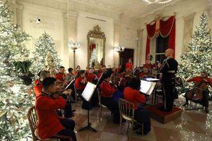 Đệ nhất phu nhân Melania Trump đảm nhiệm vị trí 'giám sát công trình' trang trí Noel cho Nhà Trắng