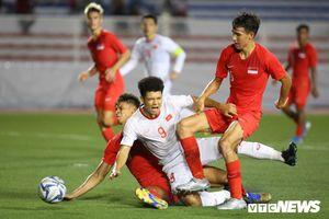 Hà Đức Chinh như mãnh hổ trên sân, ghi bàn thắng quý hơn vàng cho U22 Việt Nam