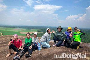 Khoảng 450 ngàn lượt khách đến Định Quán