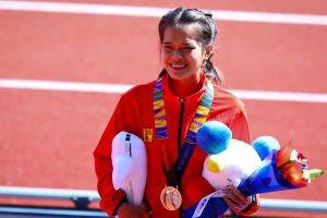 VĐV Việt Nam giành HCĐ marathon sau khi VĐV Indonesia gặp sự cố