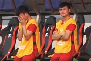 Hình ảnh Quang Hải ngồi trên ghế dự bị khiến dân mạng xúc động