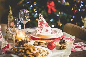 Trẻ em thế giới chiêu đãi ông già Noel món ăn gì?