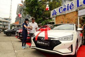 Dịp cuối năm, ô tô 'đua nhau' giảm giá đến hàng trăm triệu đồng