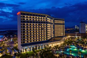 Khai trương hai khu nghỉ dưỡng Mövenpick Resort và Radisson Blu Resort tại Cam Ranh