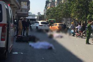 Va chạm với xe tải ở Hà Nội, 2 người trên xe máy tử vong thương tâm