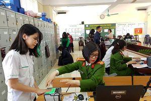 Công an quận Ba Đình đến tận trường học, bệnh viện cấp căn cước công dân