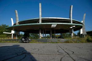 Nhà triển lãm 40 tỷ bị bỏ hoang, thành điểm hút chích