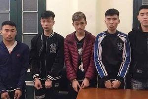 Truy bắt nhóm thiếu niên Hà Nội nửa đêm vác dao ra đường cướp tài sản