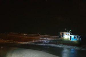 Hà Tĩnh: Tàu mang kí hiệu Trung Quốc dạt vào cảng Sơn Dương đã chìm xuống biển
