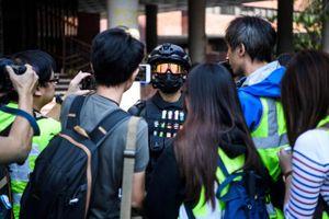 Lãnh đạo Phòng Thương mại Mỹ ở Hong Kong bị tạm giữ, ngăn đến Macau