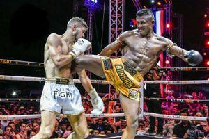 Võ sĩ Muay Thai tài năng, mạnh mẽ trên sàn đấu và điềm đạm trong cuộc sống