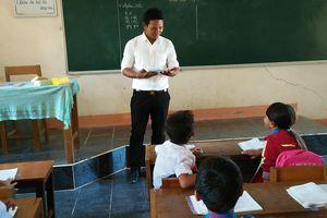 Người thầy truyền cảm hứng tiếng Việt cho học sinh người Ê-đê!
