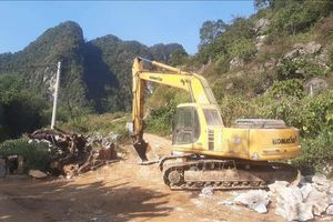 Nữ phiên dịch tử vong do đá lăn trúng tại mỏ đá Kim Sơn, Yên Bái