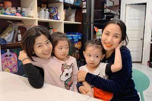 Hậu điều trị ung thư, diễn viên Mai Phương lộ rõ vẻ phờ phạc dù luôn nở nụ cười