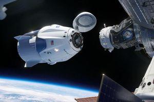 Tàu vận tải Dragon kết nối với Trạm Vũ trụ Quốc tế ISS