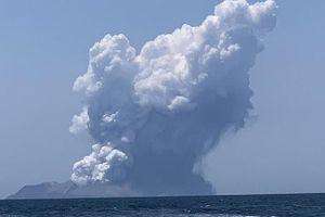 Núi lửa phun trào tại điểm du lịch của New Zealand