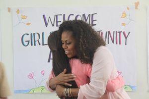 Bà Michelle Obama gặp nữ sinh Việt Nam: 'Các em là nguồn cảm hứng cho tôi'